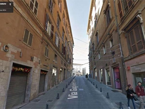 Negozio in affitto a Perugia, Centro Storico Di Pregio, 45 mq