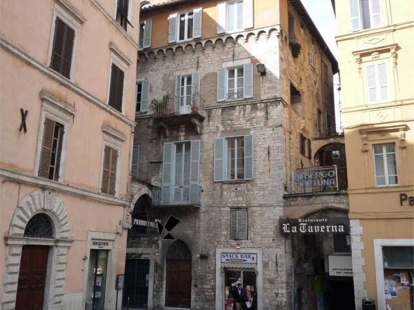 Ufficio in affitto a Perugia, Centro Storico Di Pregio, 50 mq