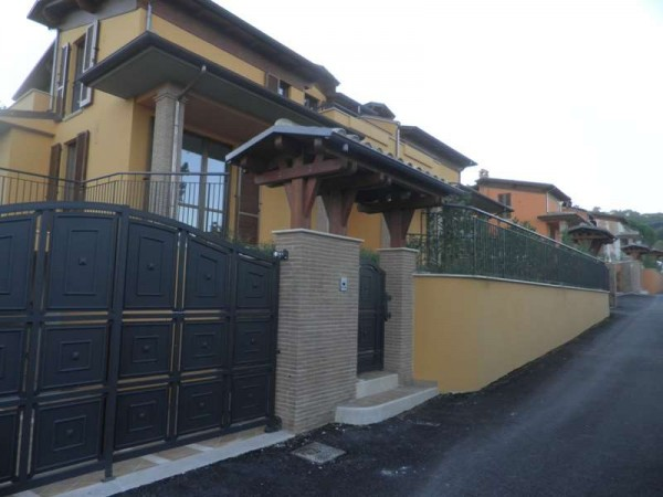 Casa indipendente in vendita a Perugia, Con giardino, 230 mq - Foto 2