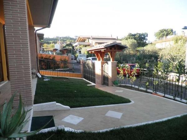 Casa indipendente in vendita a Perugia, Con giardino, 230 mq