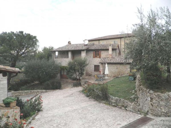 Locale Commerciale  in affitto a Corciano, Migiana, Arredato, con giardino, 65 mq