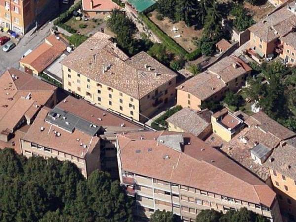 Appartamento in vendita a Perugia, Zona Universita', Arredato, con giardino, 65 mq