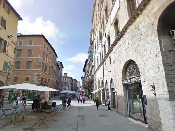 Ufficio in affitto a Perugia, Centro Storico, 70 mq