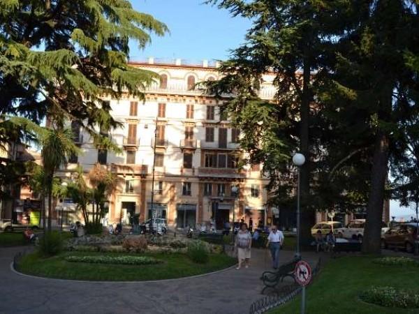 Ufficio in affitto a Perugia, Centro Storico Di Pregio, 290 mq