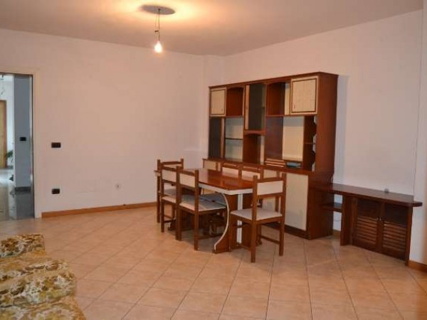 Appartamento in affitto a Marsciano, Villanova, Con giardino, 98 mq