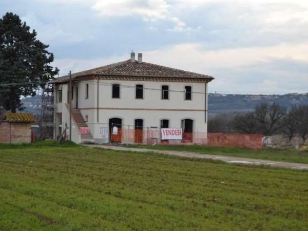 Casa indipendente in vendita a Torgiano, Miralduolo, Con giardino, 170 mq