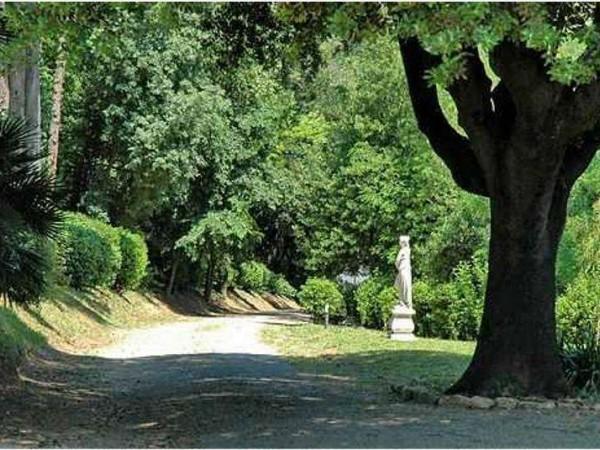 Villa In Vendita A Perugia Centro Storico Con Giardino