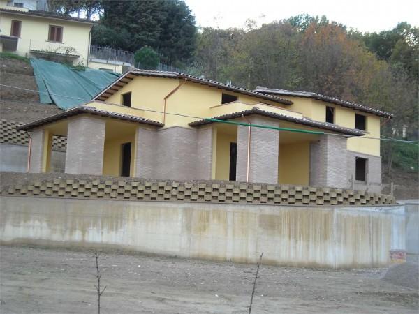 Villa In Vendita A Perugia Pretola Con Giardino 350 Mq