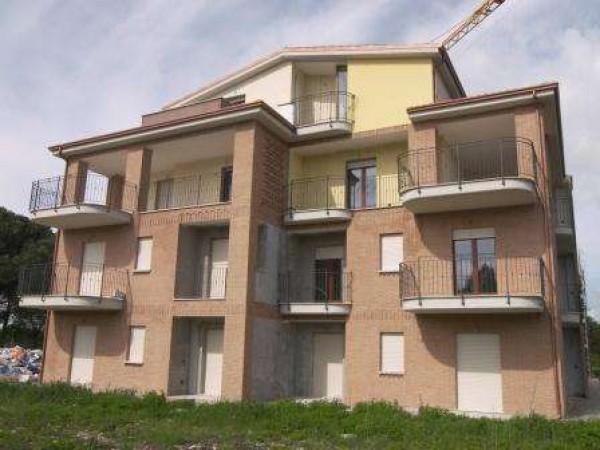 Appartamento in vendita a Perugia, San Martino In Campo, Con giardino, 65 mq