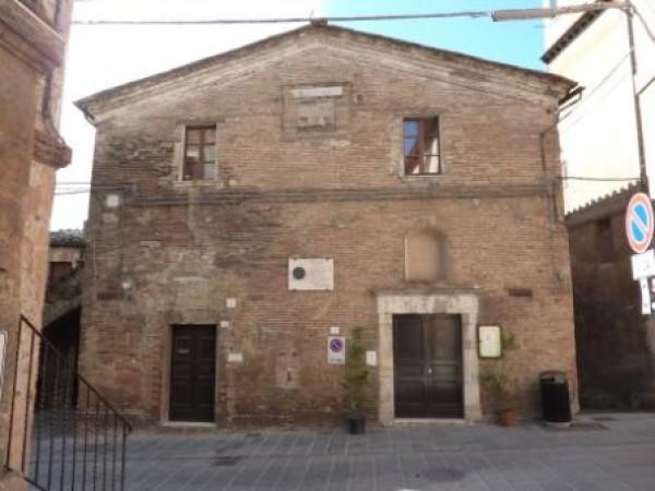 Appartamento in vendita a Perugia, Centro Storico, 100 mq