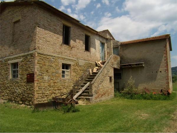 Rustico/Casale in vendita a Assisi, Sterpeto, Con giardino, 300 mq