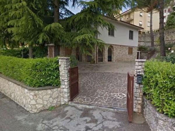 Villa in vendita a Perugia, Ferro Di Cavallo, Con giardino, 260 mq