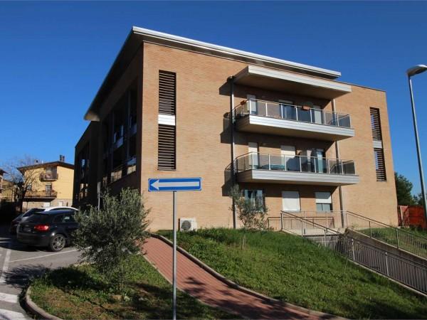 Ufficio in affitto a Perugia, San Sisto, 75 mq