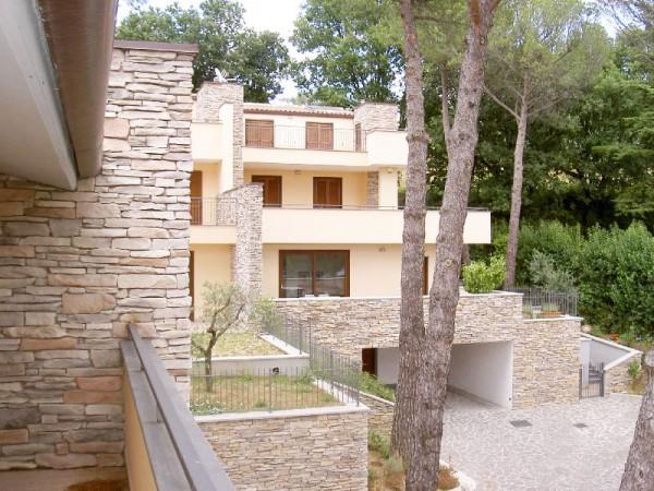 Casa indipendente in vendita a Perugia, Case Bruciate, 180 mq