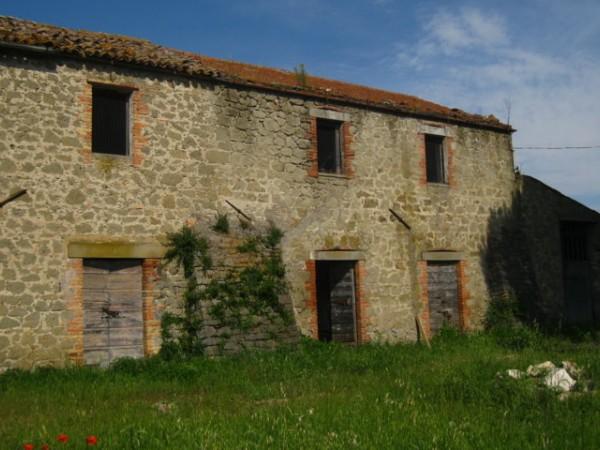 Rustico/Casale in vendita a Baschi, Loc Sbarra, 300 mq