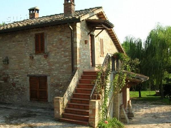 Rustico/Casale in vendita a Perugia, Pila, 160 mq
