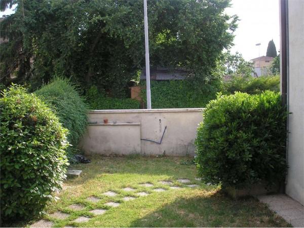 Villa in vendita a Foligno, Con giardino, 220 mq - Foto 2
