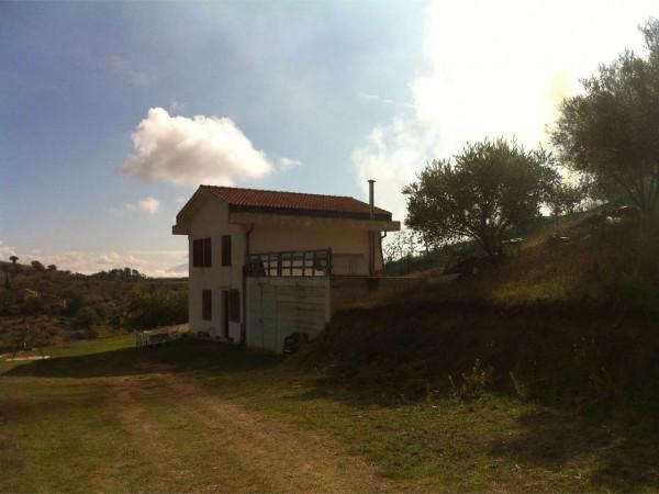 Casa indipendente in vendita a Perugia, Con giardino, 240 mq