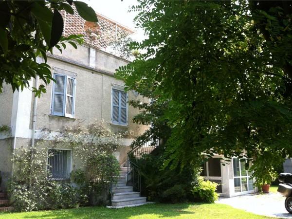 Villa in vendita a Foligno, Con giardino, 700 mq