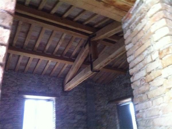 Rustico/Casale in vendita a Foligno, Con giardino, 350 mq
