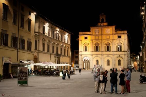 Locale Commerciale  in vendita a Città di Castello, Riosecco, 1400 mq