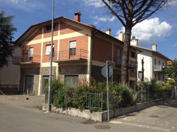 Casa indipendente in vendita a Città di Castello, Casella, Con giardino, 175 mq