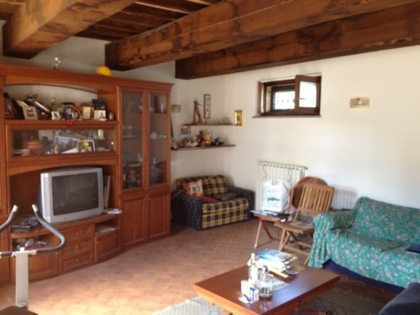 Appartamento in vendita a Città di Castello, Cerbara, 90 mq
