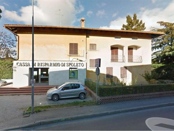 Negozio in vendita a Perugia, Castel Del Piano, Con giardino, 130 mq