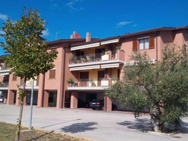 Appartamento in vendita a Corciano, Conca Del Sole, Con giardino, 115 mq