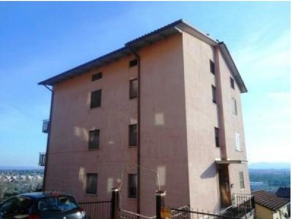 Bilocale in vendita a Perugia, Lacugnano, 48 mq