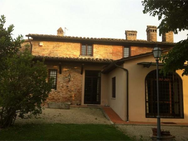 Rustico/Casale in vendita a Perugia, San Martino In Colle, Con giardino, 490 mq - Foto 1