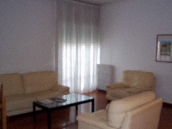 Appartamento in affitto a Perugia, Madonna Alta, Ferro Di Cavallo, Settevalli, Arredato, 105 mq