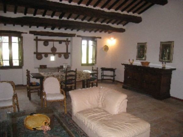 Appartamento in affitto a Perugia, S. Martino In Colle, S. Enea, S. Martino In Campo, Arredato, con giardino, 60 mq