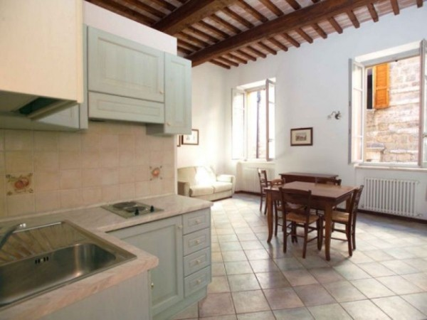Appartamento in affitto a Perugia, Porta Eburnea, Porta S.pietro, Arredato, 46 mq