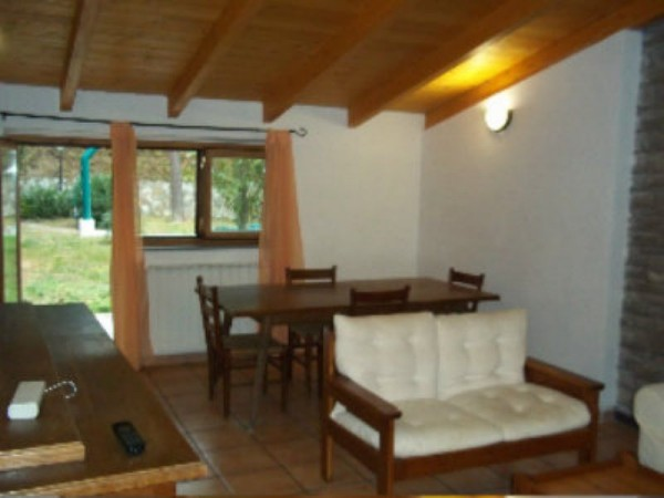 Appartamento in affitto a Perugia, Montelaguardia, Arredato, con giardino, 60 mq