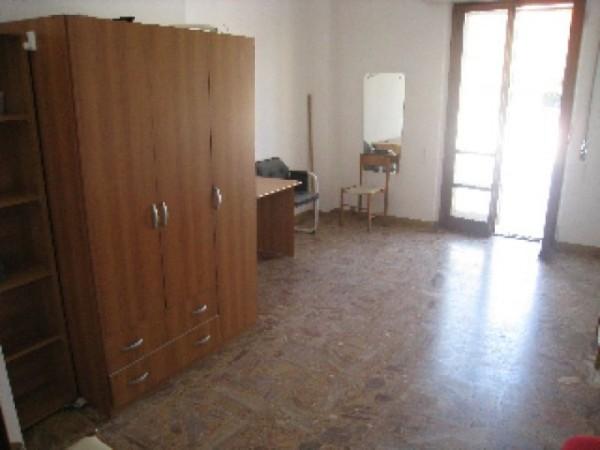 Appartamento in affitto a Perugia, Porta Eburnea, Porta S.pietro, Arredato, 150 mq - Foto 8