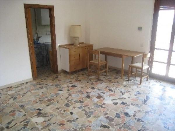 Appartamento in affitto a Perugia, Porta Eburnea, Porta S.pietro, Arredato, 150 mq - Foto 1