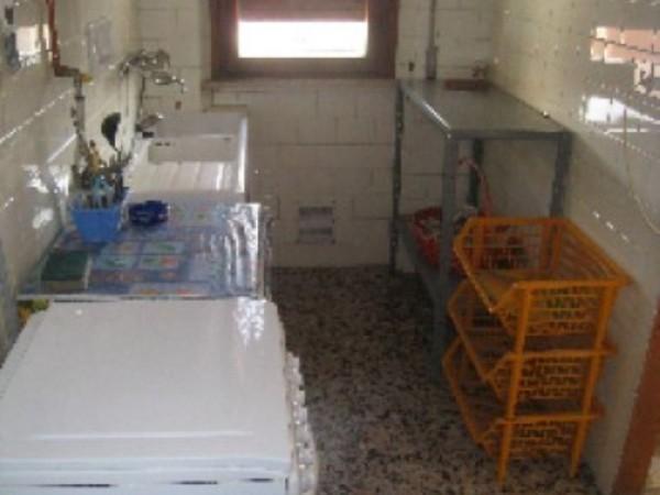 Appartamento in affitto a Perugia, Porta Eburnea, Porta S.pietro, Arredato, 150 mq - Foto 2