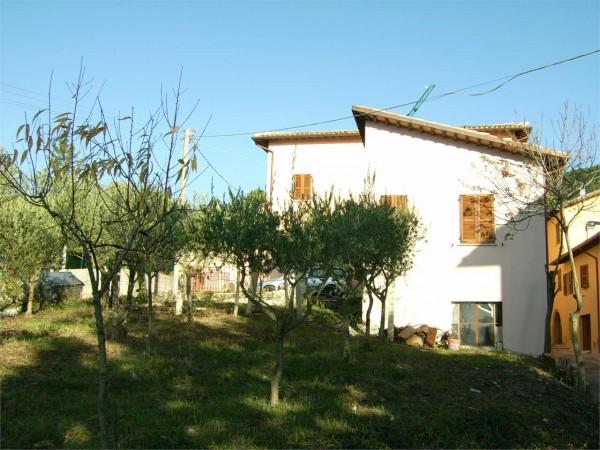 Casa indipendente in vendita a Nocera Umbra, Con giardino, 230 mq
