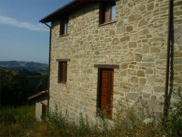 Rustico/Casale in vendita a Nocera Umbra, Con giardino, 315 mq