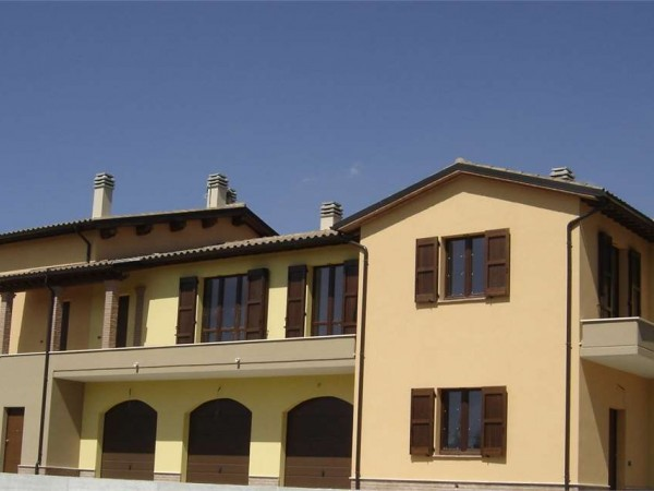 Appartamento in vendita a Gualdo Tadino, Gaifana, Con giardino, 90 mq