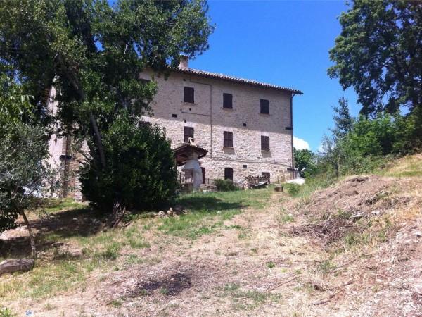 Appartamento in vendita a Nocera Umbra, Con giardino, 252 mq