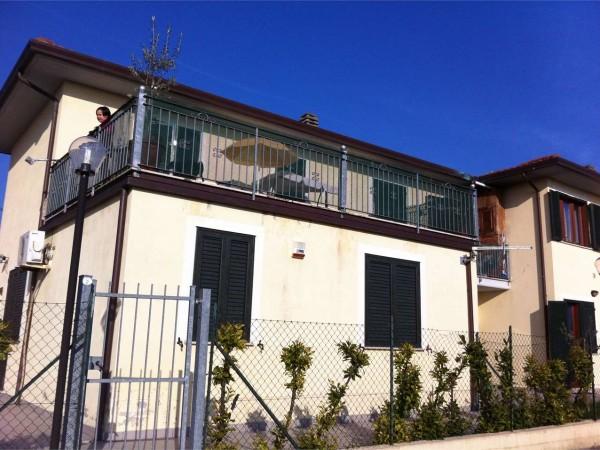 Quadrilocale in vendita a Fossato di Vico, 80 mq