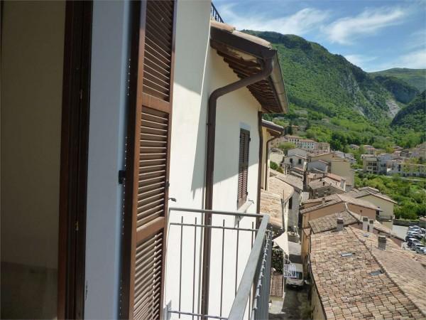 Casa indipendente in vendita a Gualdo Tadino, 130 mq