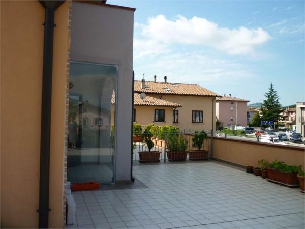 Appartamento in vendita a Gualdo Tadino, 110 mq