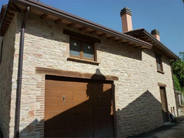Casa indipendente in vendita a Nocera Umbra, Con giardino, 150 mq