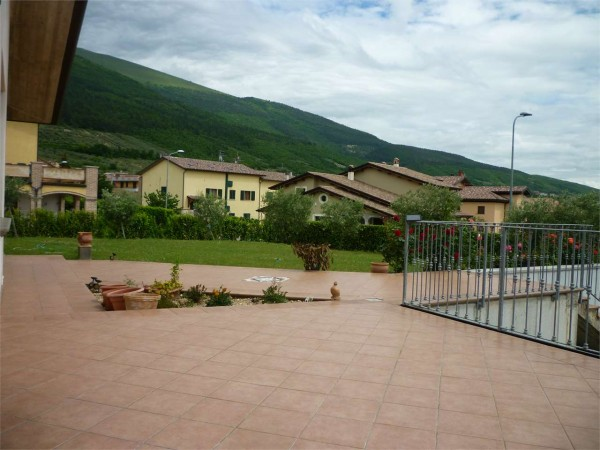 Villa in vendita a Gualdo Tadino, Con giardino, 260 mq - Foto 13