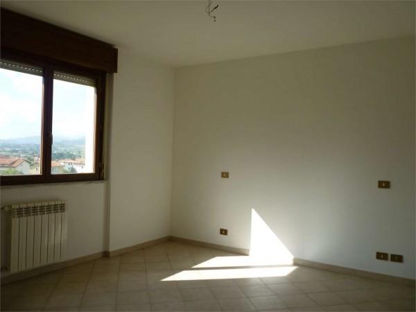 Appartamento in vendita a Gualdo Tadino, 140 mq - Foto 2
