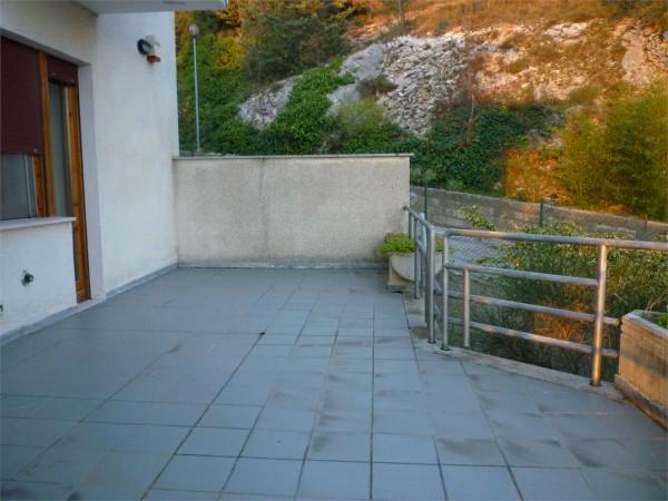 Villa in vendita a Gualdo Tadino, Con giardino, 265 mq - Foto 2