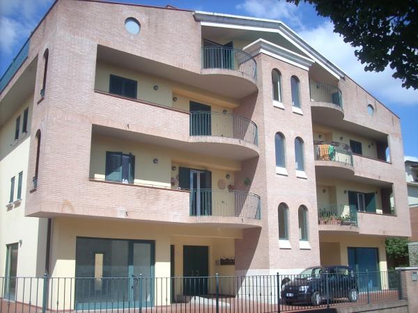 Appartamento in affitto a Deruta, San Nicolò Di Celle, 95 mq